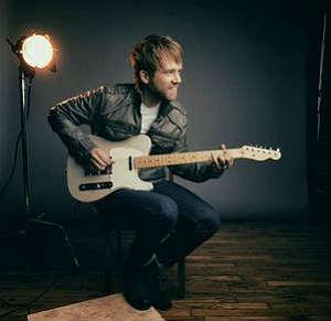 josh-wilson-guitar-pose